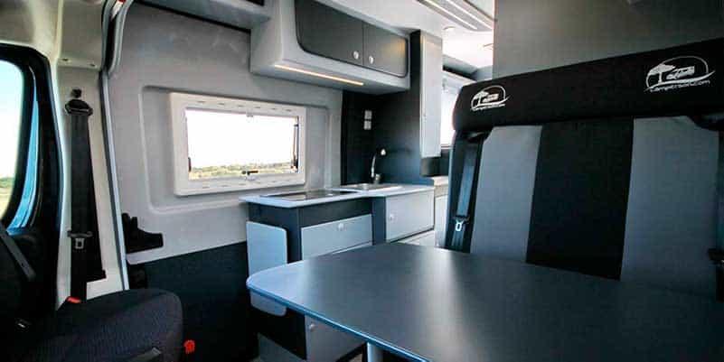 equipamiento en furgonetas camper