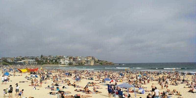 bondy-beach-sidney-australia-camper