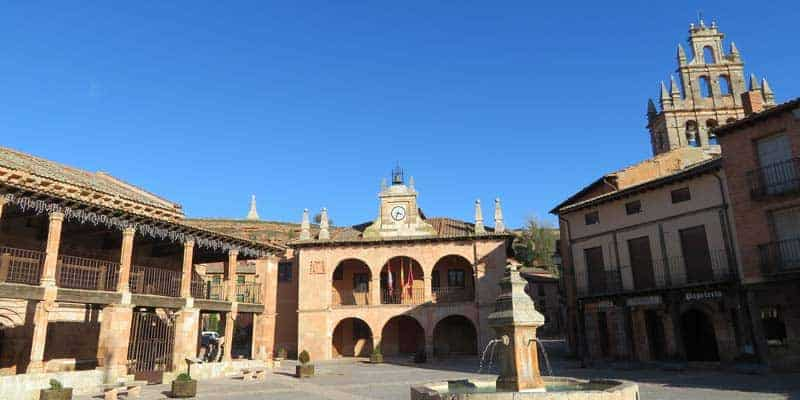 plaza-mayor-de-ayllon