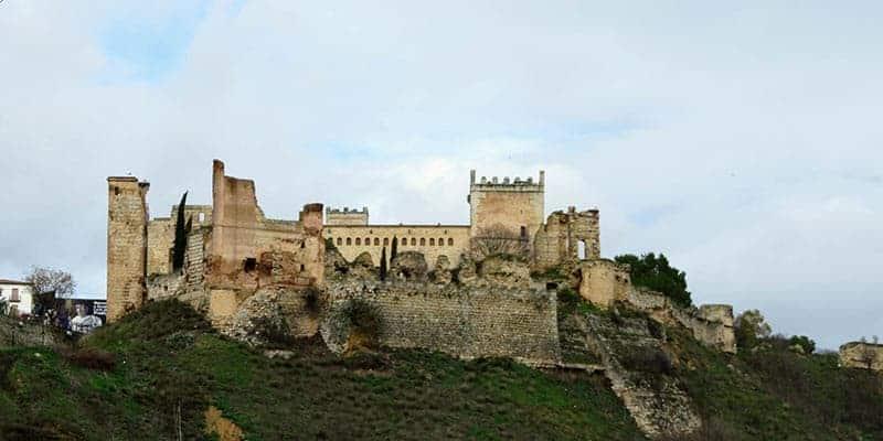 castillo de escalona - pueblos bonitos de toledo