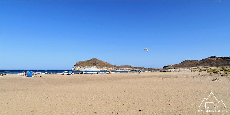 playa de los genoveses - cabo de gata en autocaravana
