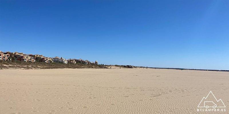 playa de los haraganes - playas de huelva